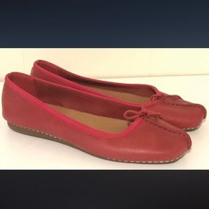 Clark's Red Soft Sole Flats w/Bow, Size 6 1/2